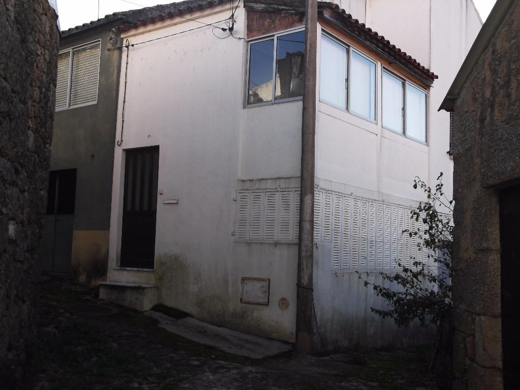 Venda - Moradia